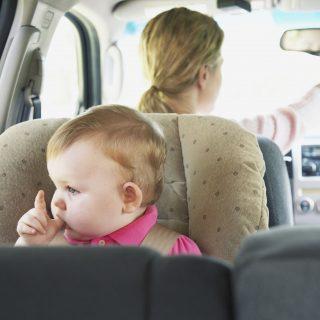 Amikor kihagy az agy: hogyan felejtjük a kocsiban a gyereket?