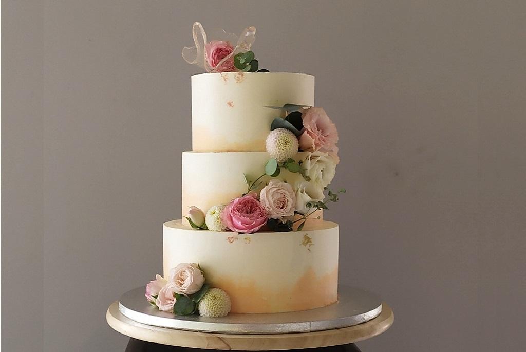 Ilyen az idei esküvői tortatrend