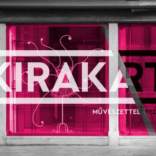 Kortárs művészettel töltik fel Budapest kirakatait