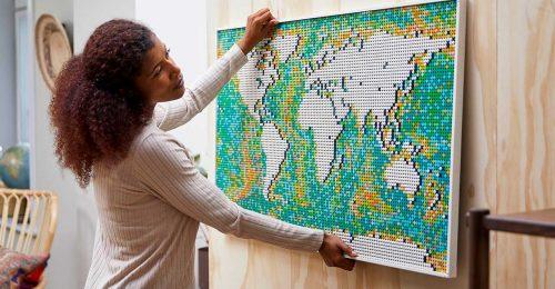 Közel 12 000 darabos világtérképet dobott piacra a LEGO