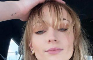 Sophie Turner szexi frufrut villantott