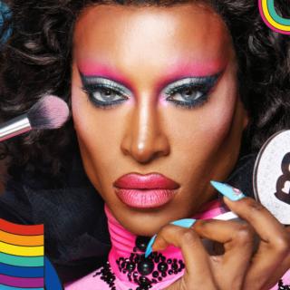 Pride-os sminkkollekció arca lett a Drag Queen sztár