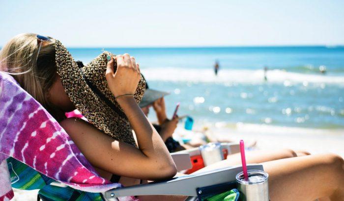 A szemközti kisboltig is kell ránk a fényvédő? 5 alapkérdés a naptejekről