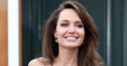 Angelina Jolie-nak jól áll a méhészkedés