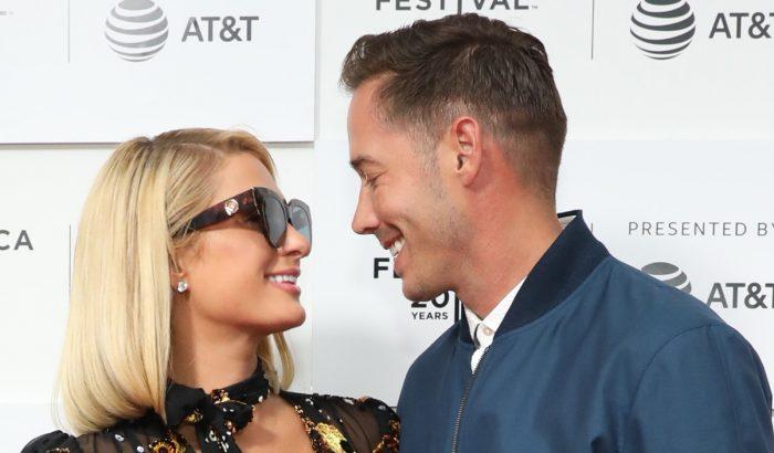 Paris Hilton terhes: első gyermekét várja vőlegényével