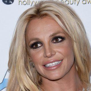 Nézni is nehéz: Britney Spears továbbra sem lehet szabad