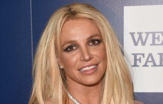 Cigánykerekezve örült Britney az első győzelemnek