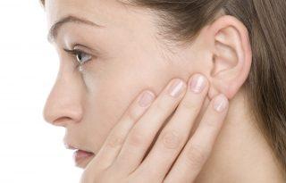Így tüntesd el a pattanásokat a füledből!