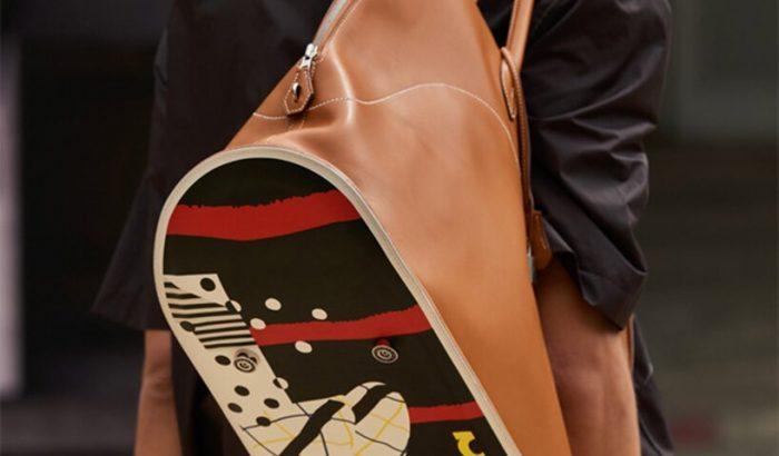 Gördeszkából csinált táskát az Hermès