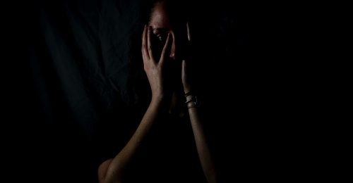 Az utcai zaklatás bűncselekmény, és túl gyakori a nők életében: ezt tehetjük, ha velünk is megtörténik