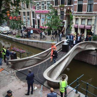 3D nyomtatott hidat emeltek Amszterdamban