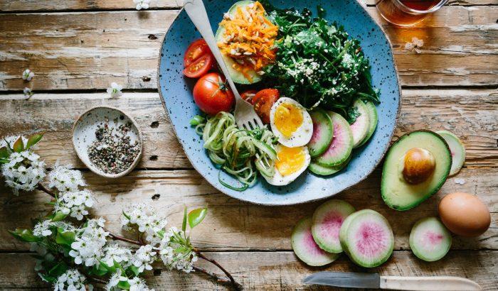 Ismerd meg a legnépszerűbb diéták előnyeit és buktatóit!