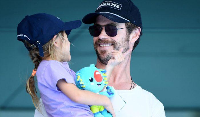 Chris Hemsworth ultracuki apuka, ahogy a lányát védi