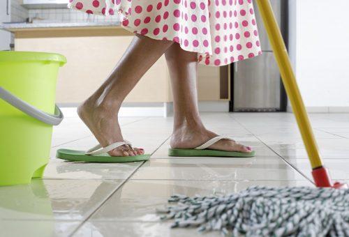 Így moss fel, hogy újra fényes legyen a padló!