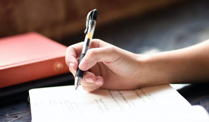 Szebben szeretnél írni? Ezek a gyakorlatok segíthetnek!