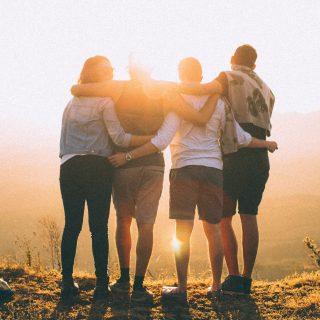 Poliamor párkapcsolat és szülőség: hogyan magyarázzuk meg a családnak?