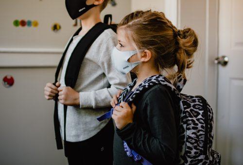 Ezek a delta variáns tünetei a gyerekeknél