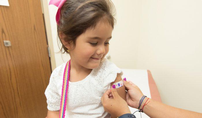 Mikor lesz koronavírus-vakcina a kisebb gyerekeknek? És miért ilyen lassú?