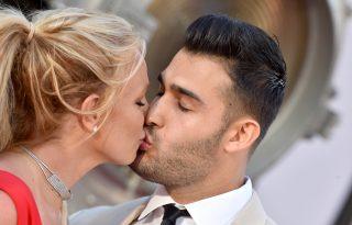 Britney Spears rajongói házassági szerződést sürgetnek