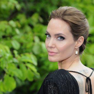 Angelina Jolie újabb részleteket árult el Harvey Weinsteinről