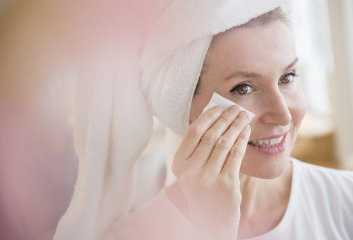 50 felett ezt a lépést ne hagyd ki a bőrápolási rutinodból!