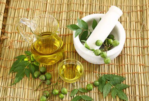 Így gyógyítja az ekcémás bőrt a neemfaolaj
