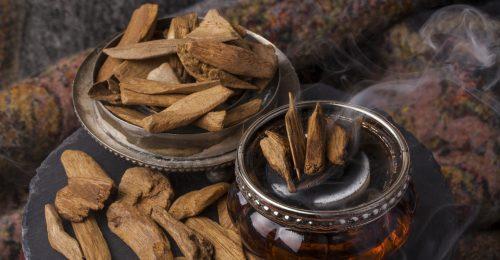 A világ legdrágább fafajtája értékes parfümalapanyag