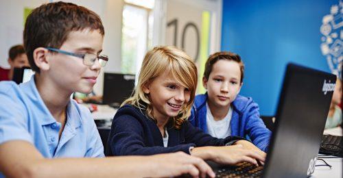 Tévhit, hogy a gyerekek otthonosan mozognak a digitális térben