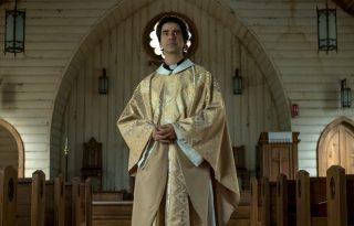 Heti kultkedvenc: vámpírral és pappal támad a horrorsorozatok királya