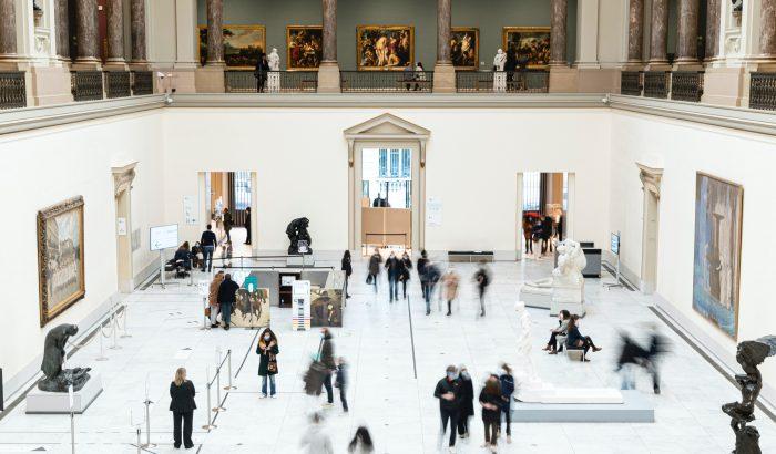 A belga orvosok múzeumlátogatást írnak fel a Covid-stresszre