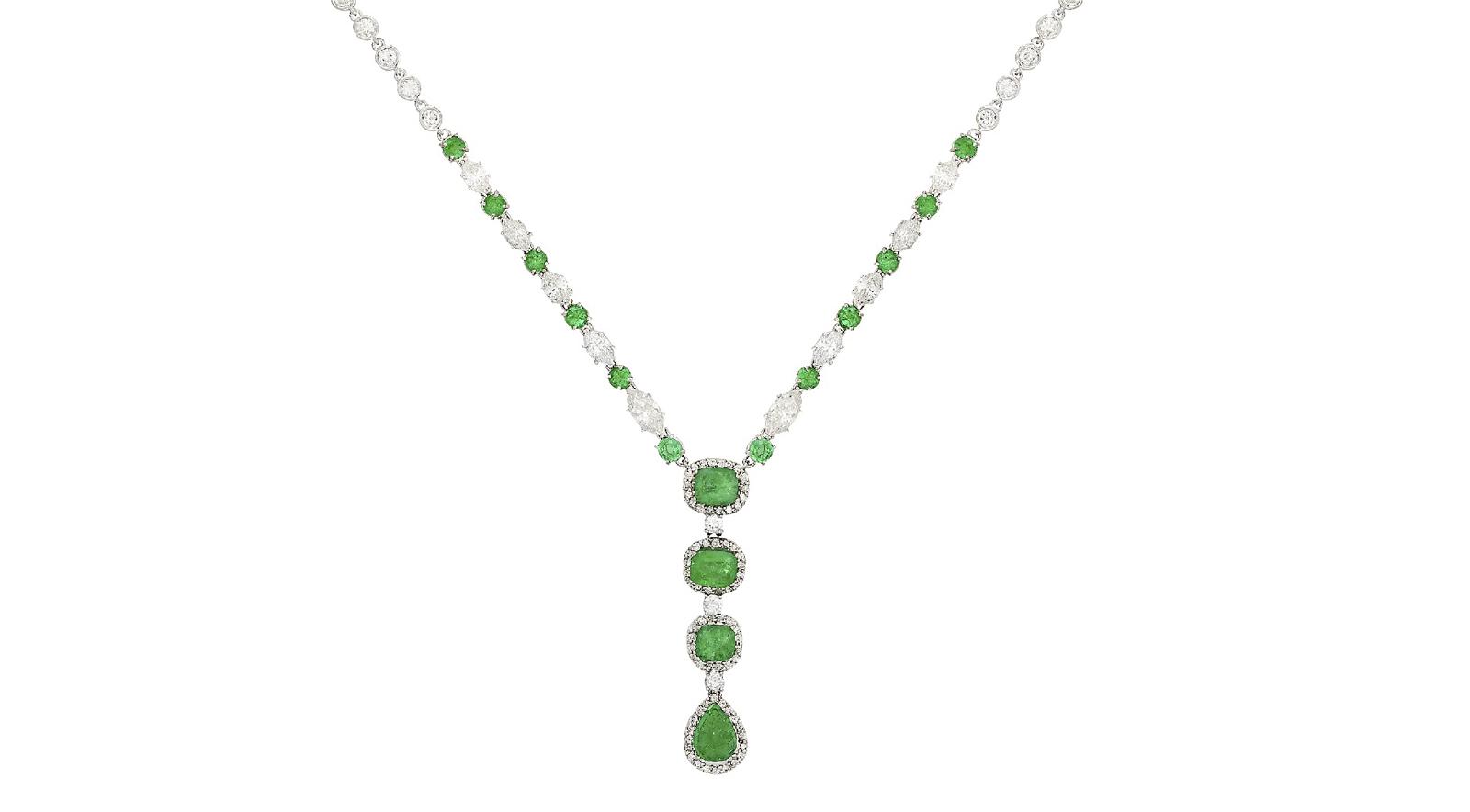 4. kép: Fehérarany nyakék smaragdokkal és briliánsokkal