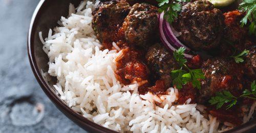 Gyors indiai húsgolyók vajas-paradicsomos mártással