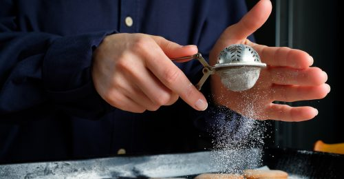 Így készíthetsz a kristálycukorból porcukrot otthon