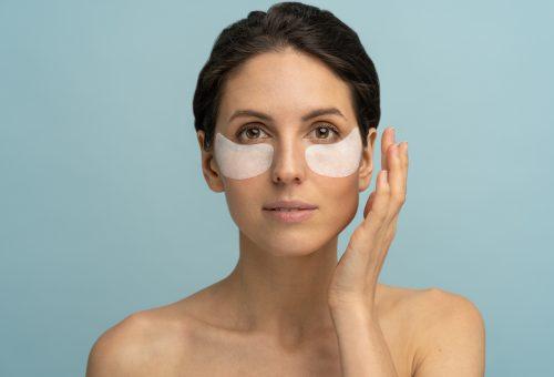 Ezt a vitamint használd reggelente táskás szemek ellen
