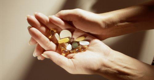 Biotin, keratin, L-karnitin: mindent a felkapott táplálékkiegészítőkről